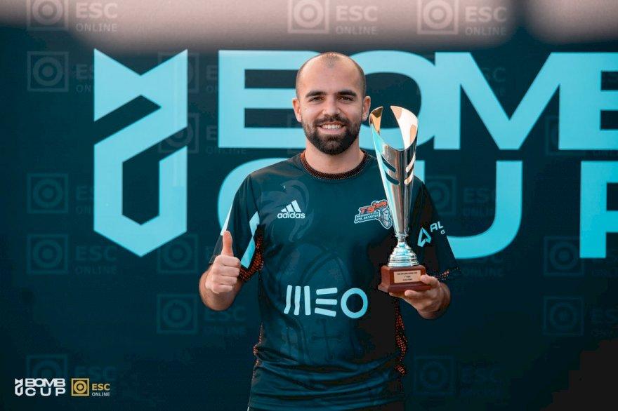 tuga810 foi o vencedor da ESC Online Bomb Cup
