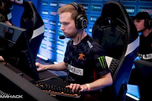 Xizt anuncia o fim da carreira como jogador